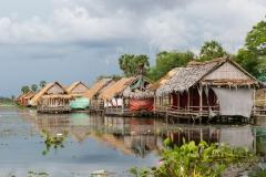 PO002-Picnic-huts-on-Tonle-Bati-Lake-Cambodia-Roanne-de-Haast